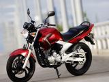 雅馬哈250跨騎摩托車