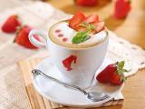 草莓卡布奇诺咖啡